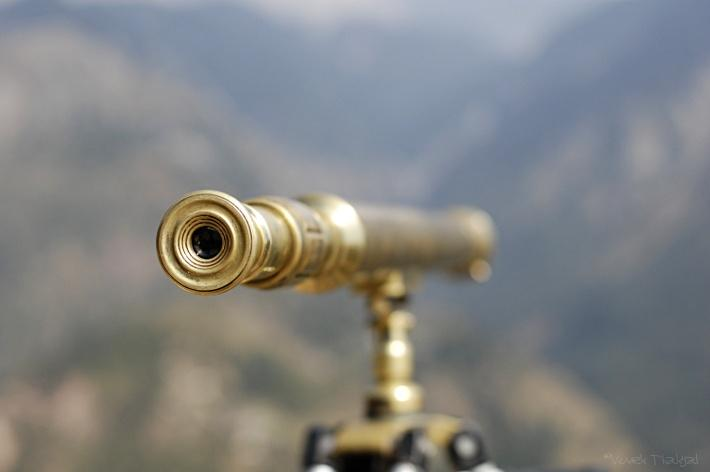 telescope photo by flickr user vivekthakyal