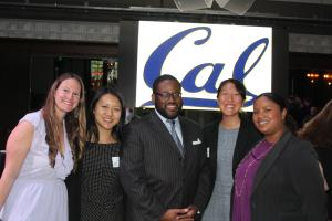 Assemblymember Ridley-Thomas with Cal-in-Sacramento Fellows